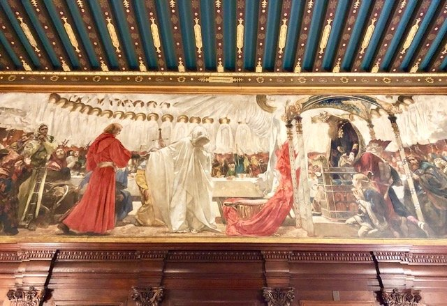 This mural by Edwin Austin Abbey depicts King Arthur on his throne, as part of a series of murals depicting King Arthur and the Quest for the Holy Grail.